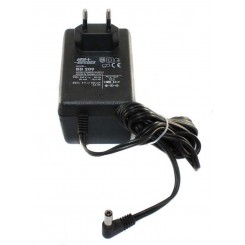 ALIMENTATORE UNIVERSALE 9 V 600mA JACK A PIPA +IN -OUT MOD. BD209